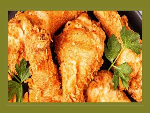Curso Online de Frango frito temperado e arroz com salsicha para ocasiões especiais.